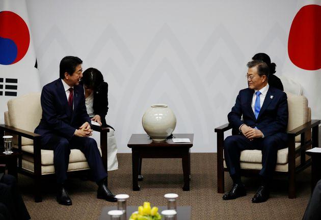 문재인 대통령이 일본 요미우리 신문과 인터뷰를 했다