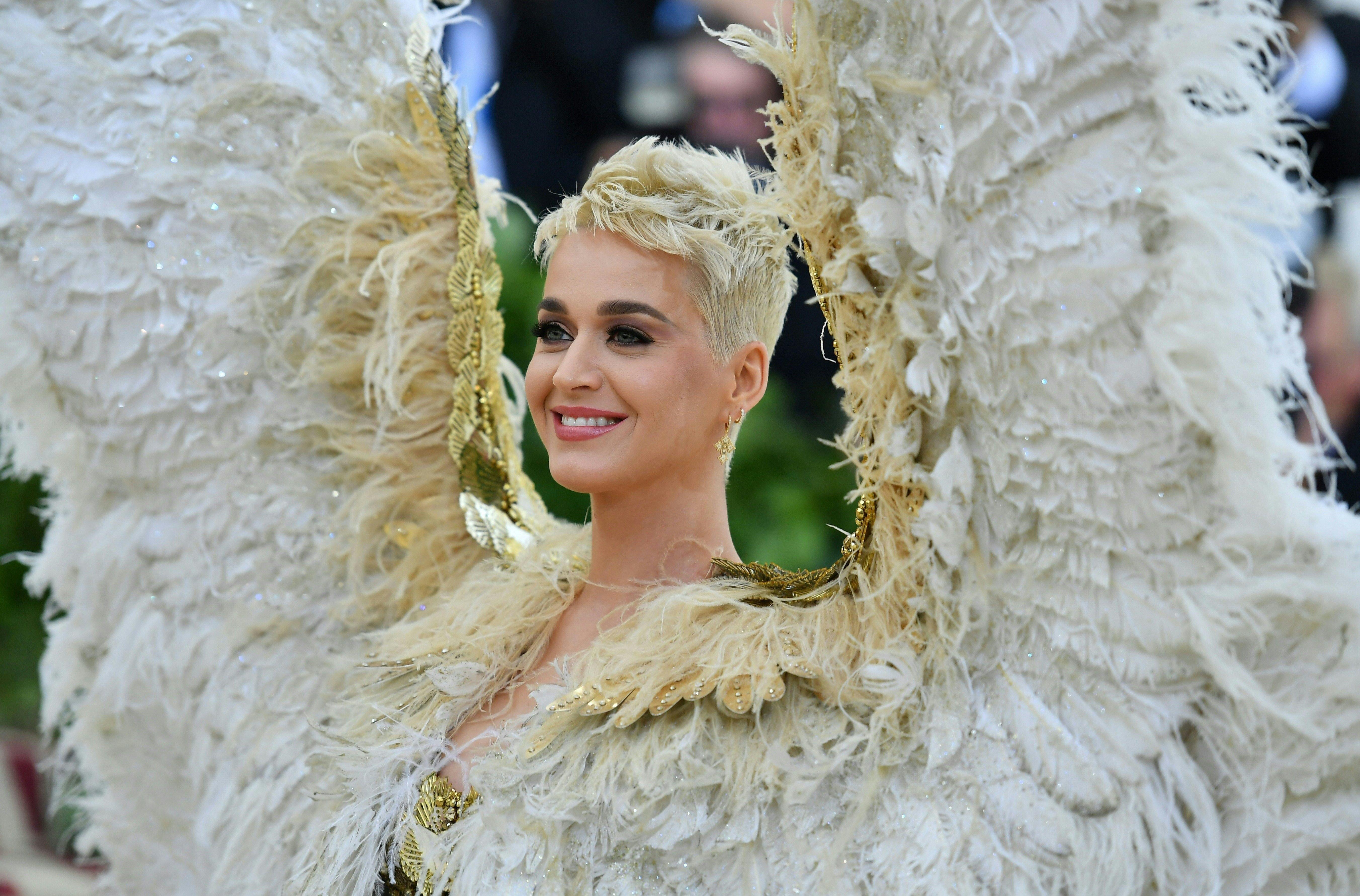 '천사'가 된 케이티 페리가 2018 멧 갈라에