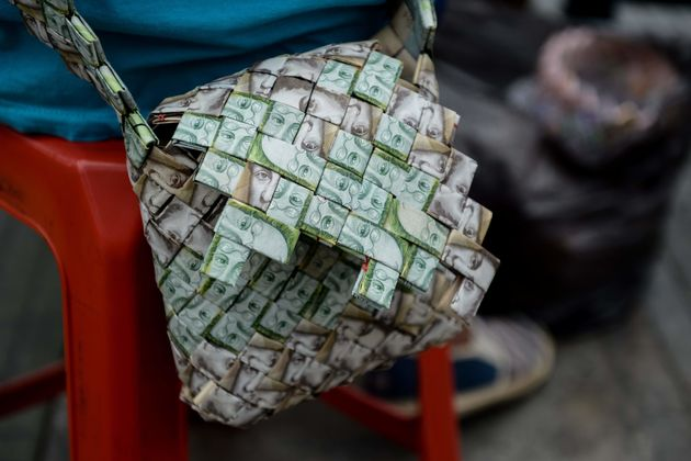 지난해 베네수엘라 물가 상승률이 1만4000%를