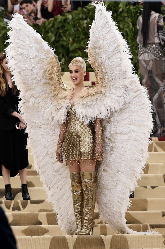 Katy Perry  - Σελίδα 6 5af14f2e1a00002700cddf95