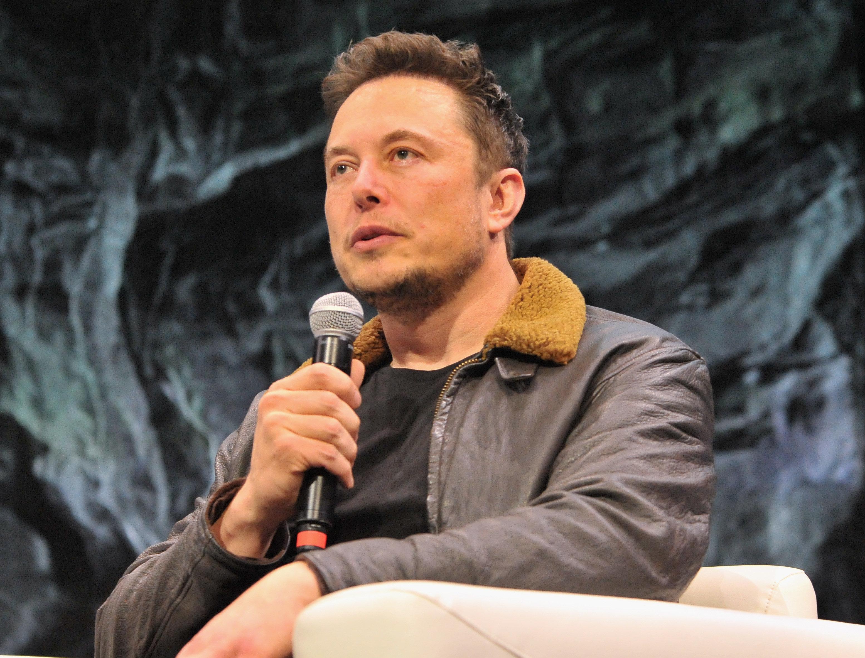 Ο Elon Musk τώρα και στην καραμελοποιία. Τι τουίταρε ο mister Tesla και έκανε το Ιντερνετ να