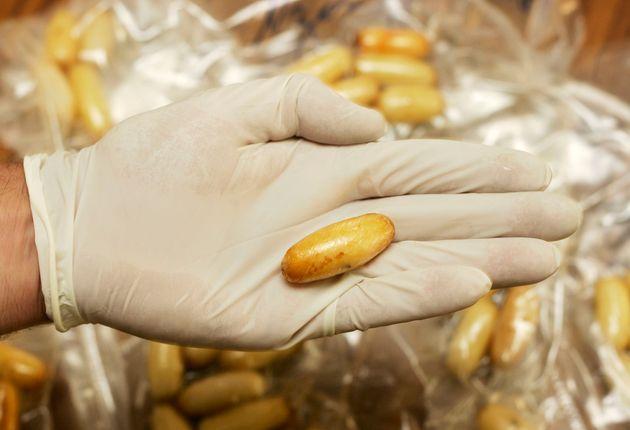 Plus de 5 kilos de cocaïne extraits de l'estomac de 5 personnes à