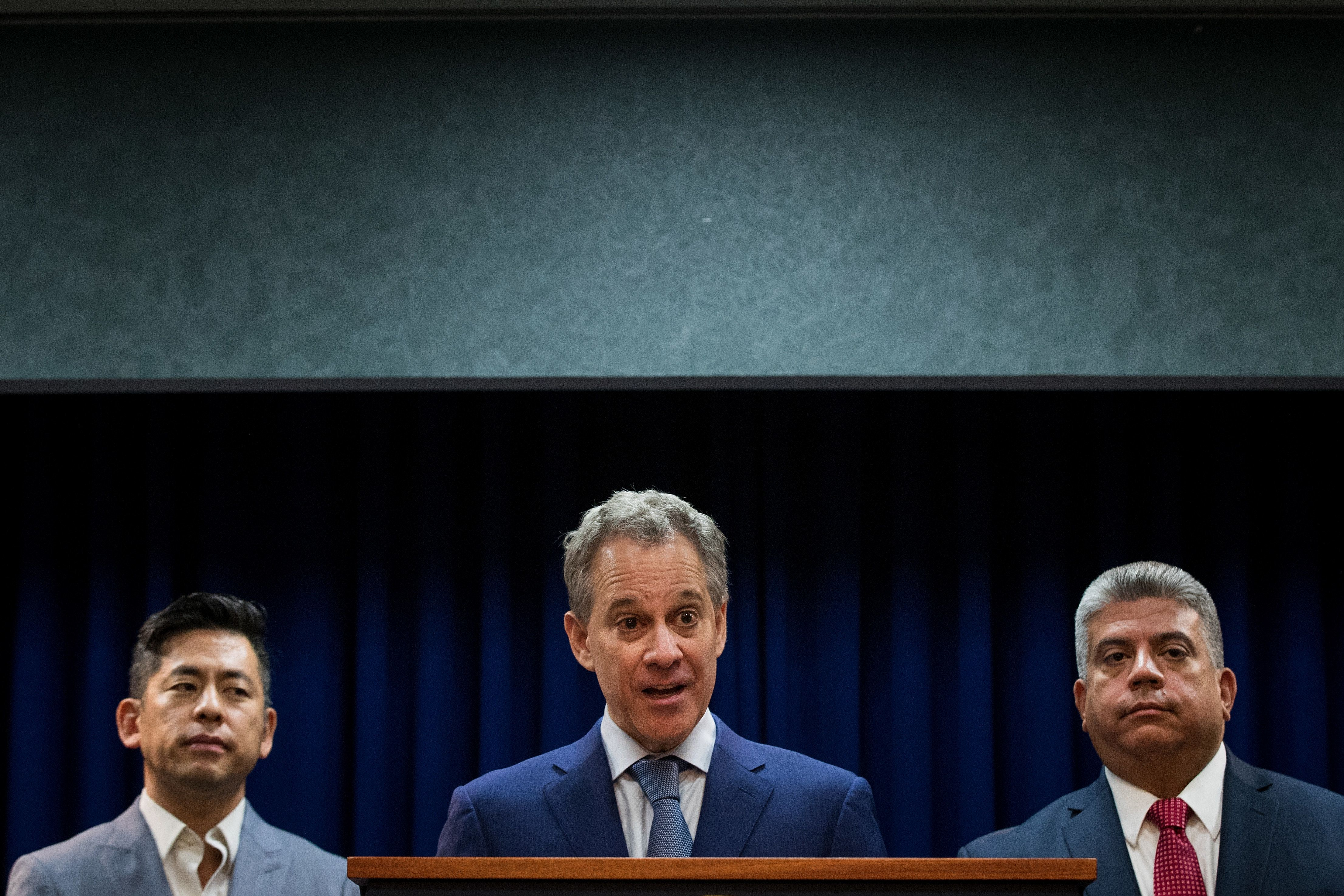 NY Attorney General Eric Schneiderman resigns amid abuse allegations.
