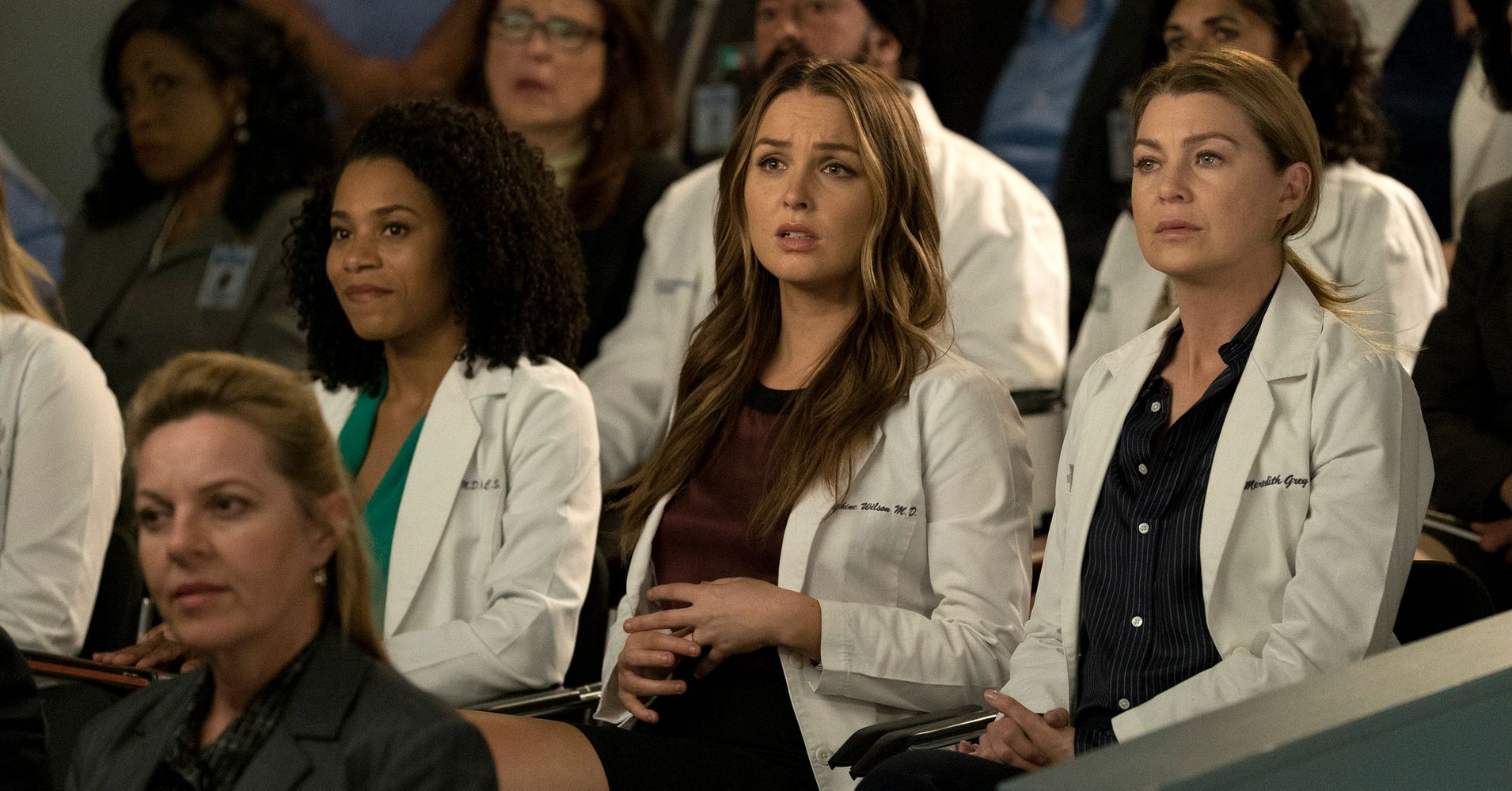 Who does meredith grey hook up with