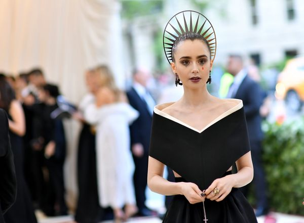 Some celebrities wore outfits inspired by the religious habits worn by Catholic priests and religious orders. Actress Lily Co