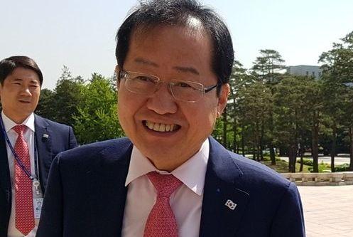 '김성태 폭행' 현장을 지나며 홍준표는 자신의 '왕년'에 대해