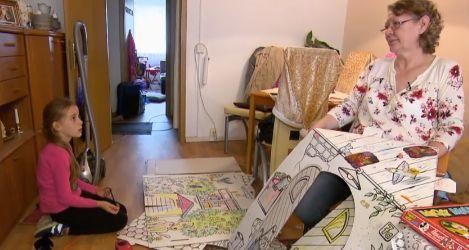 Schwerkranke Oma geht arbeiten, um den größten Wunsch ihrer Enkelin zu