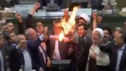 En Iran, des députés brûlent un drapeau américain en plein Parlement