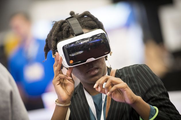How Virtual Reality Will Change the Way We Communicate With Loved Ones Abroad