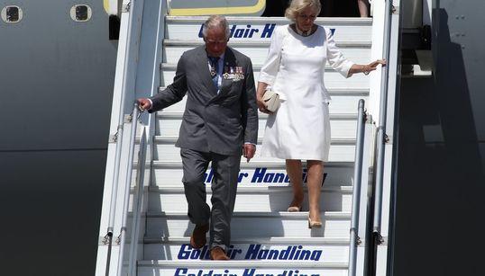 Η άφιξη του πρίγκιπα Καρόλου και της συζύγου του, Καμίλα στην