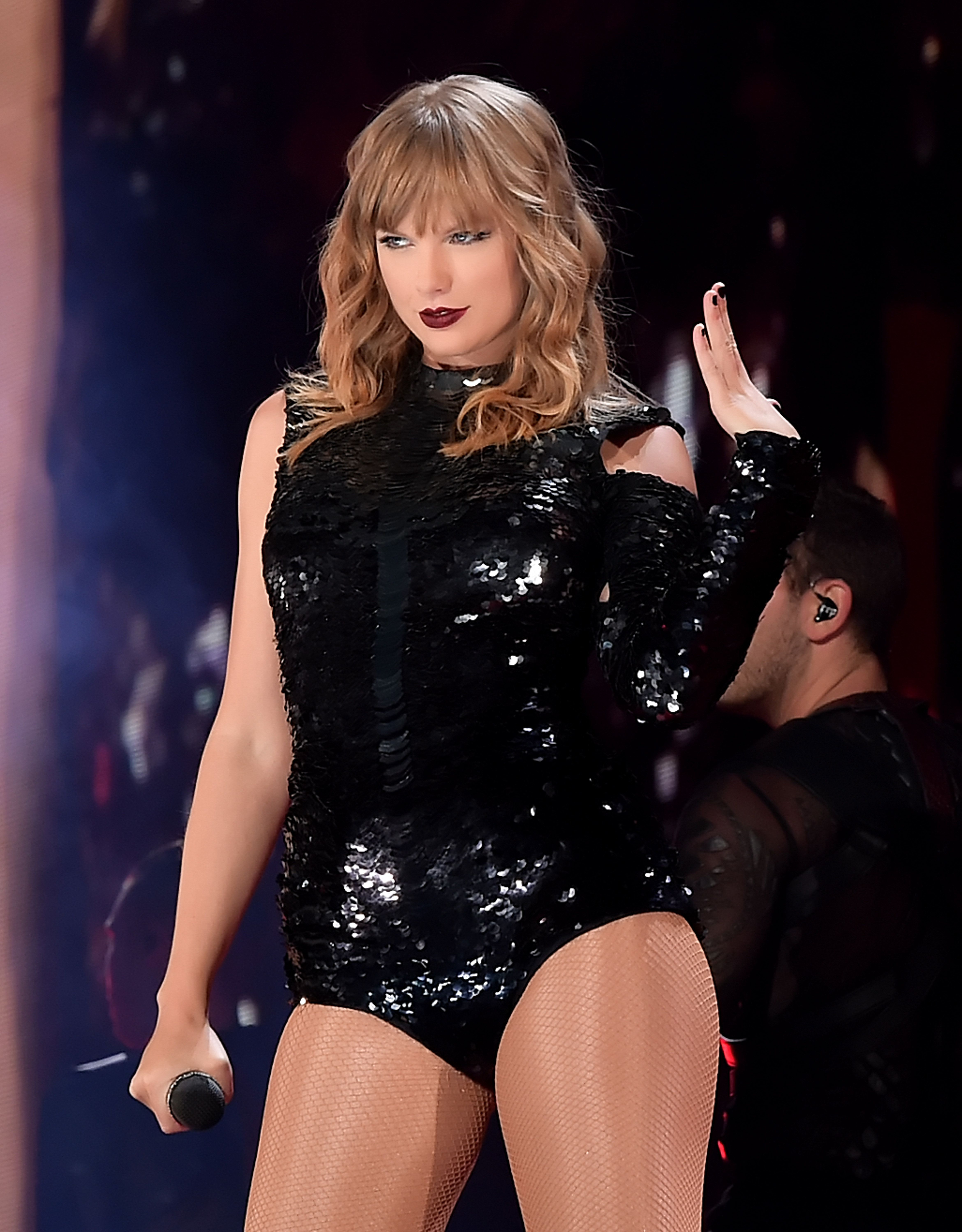GLENDALE, AZ - MAY 08:  Taylor Swift performs onstage during opening night of her 2018 reputation Stadium Tour at University of Phoenix Stadium on May 8, 2018 in Glendale, Arizona.  (Photo by Kevin Winter/Getty Images for TAS)