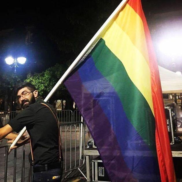 Μια πρώτη αντίδραση από την LGBTQI κοινότητα για την αναγνώριση του δικαιώματος αναδοχής σε ομόφυλα ζευγάρια...