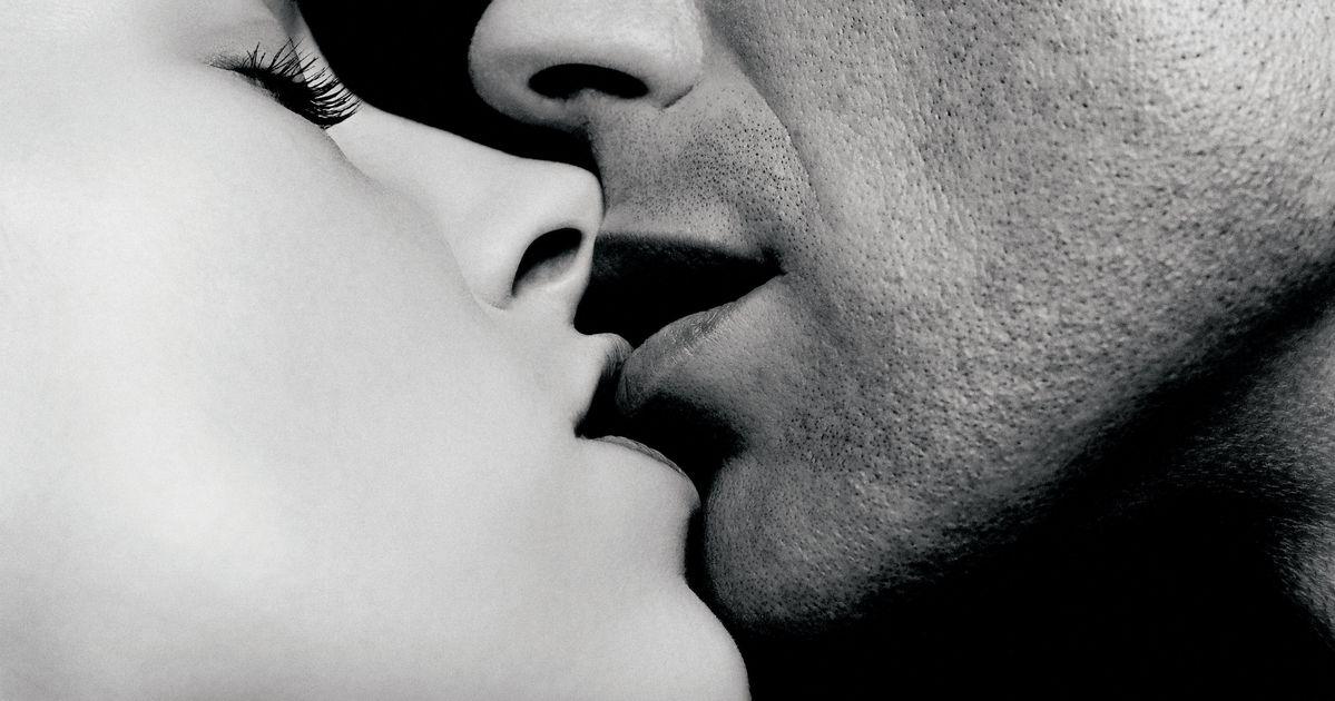 Картинки анимация поцелуй в губы, марта открытки