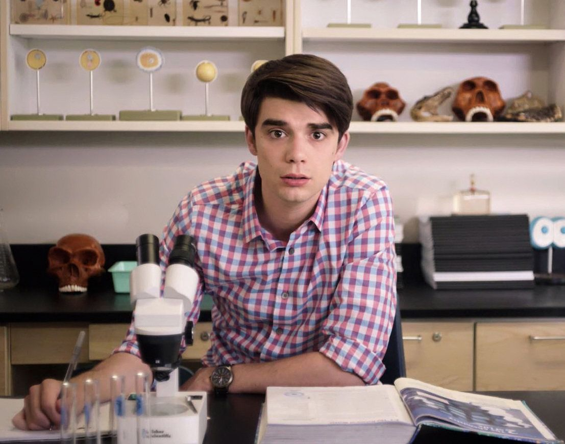 'Alex Strangelove' Is A Gay Teen Comedy That Doesn't Turn Away From Sex