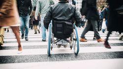 Neonazi prügelt Behinderten mit Glasknochenkrankheit – und bekommt eine