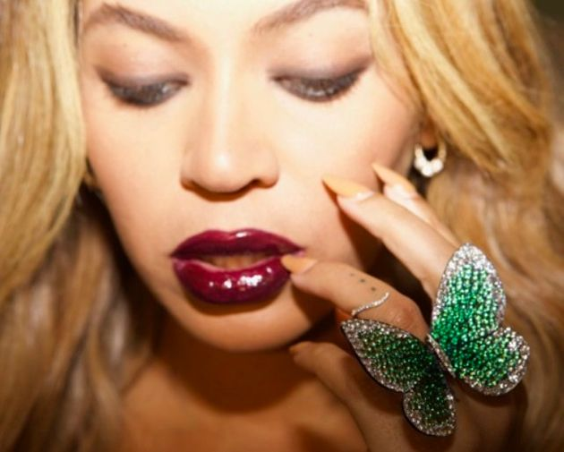 Beyoncé Gives Giant Butterfly Ring To The