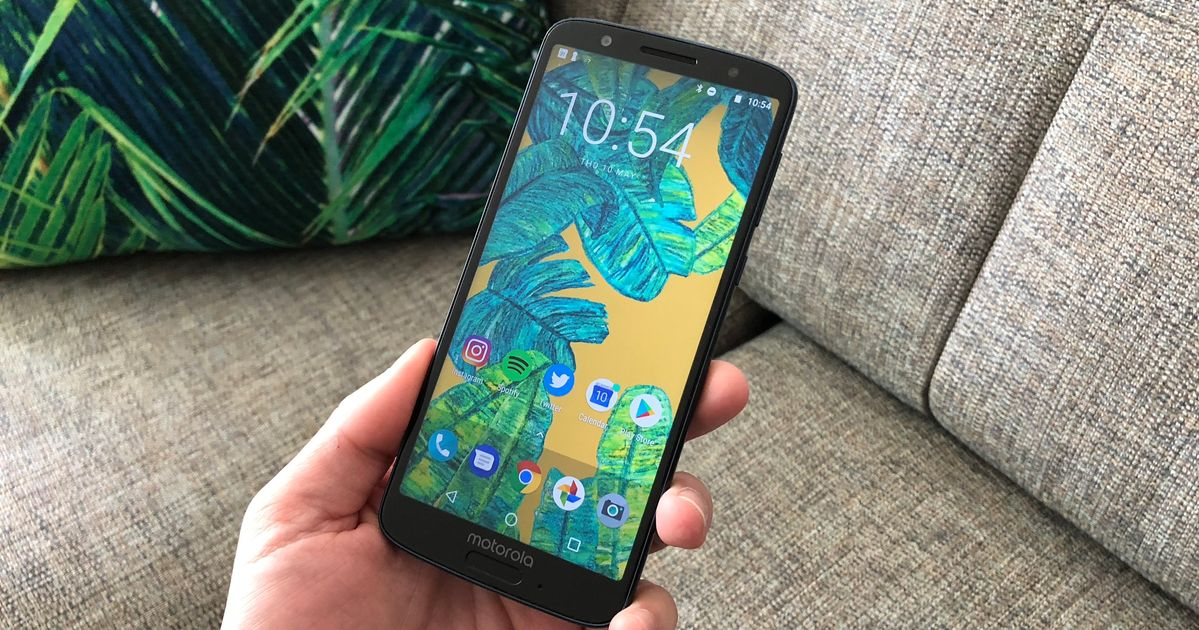 Moto G6 Review: A brilliant phone that costs a quarter of