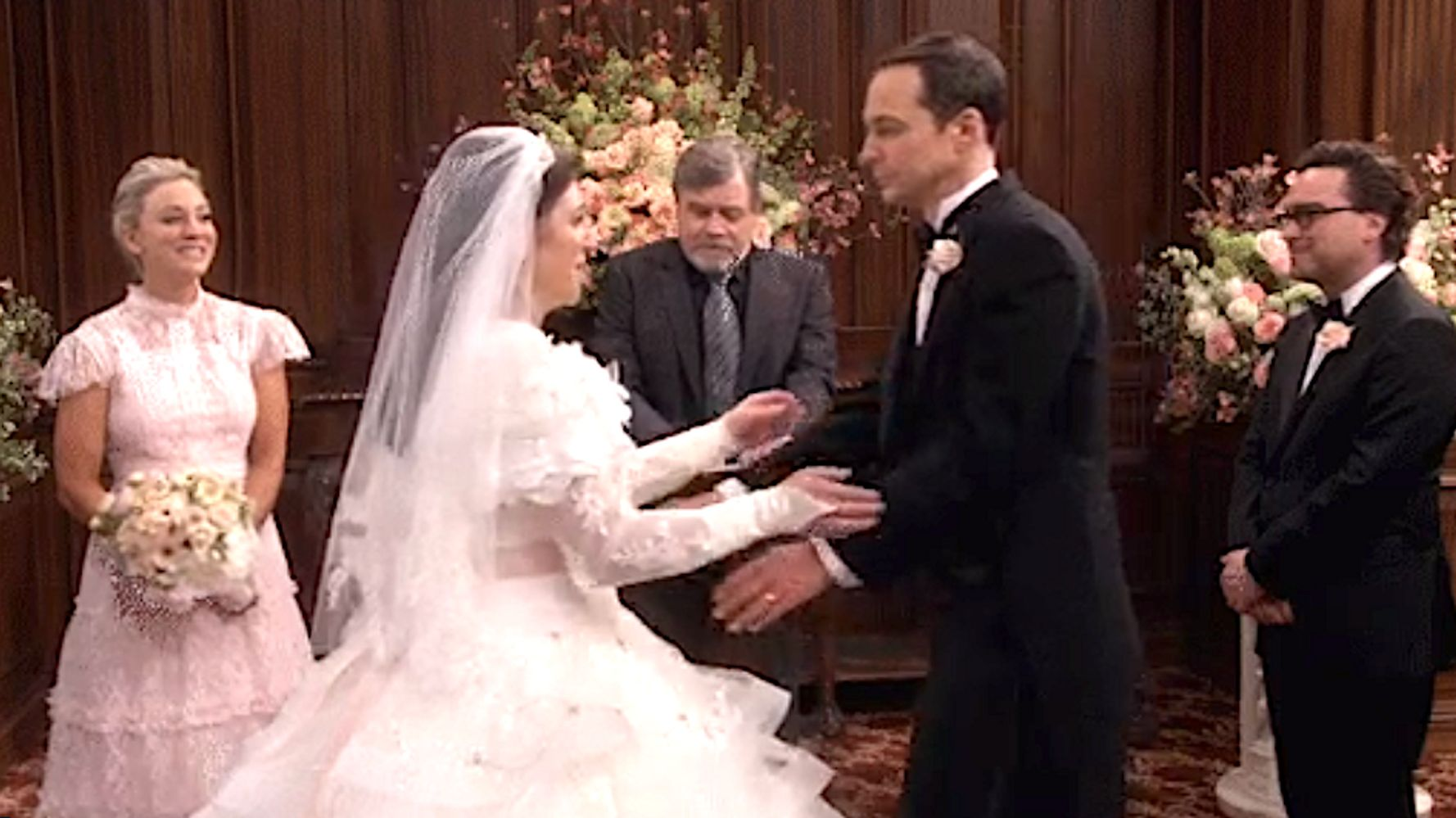 Sheldon And Amy Wedding.Mark Hamill Weds Sheldon And Amy On Big Bang Theory Fans Geek Out