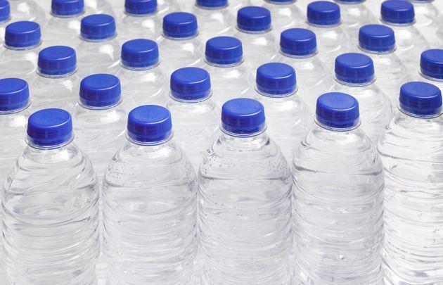 Les ventes des eaux conditionnées en Tunisie passent de 290 millions de litres en 2000 à 1700 millions...