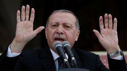 Ερντογάν: Χρεοκοπημένη και τελειωμένη η Ελλάδα, αλλά οι οίκοι αξιολόγησης την