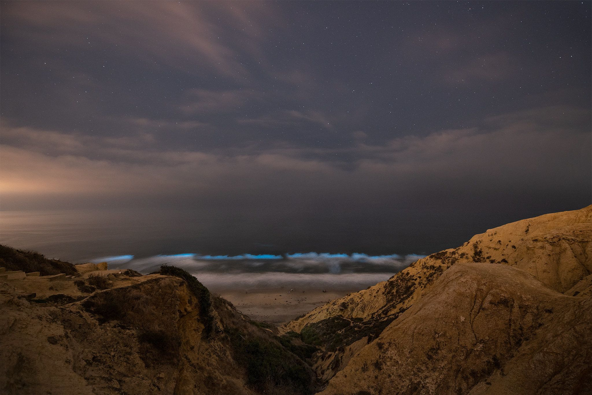 Red Tide Causing Nighttime Blue Glow Along San Diego Beaches