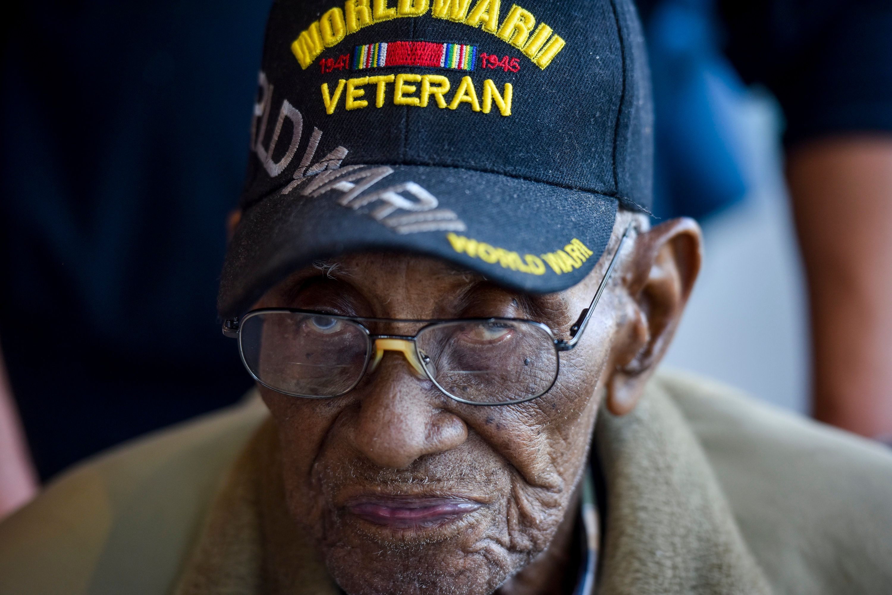 WASHINGTON, DC - APRIL 8: Mr. Richard Overton, 112-years-old, the 3rd oldest man on the planet, the oldest male in the United States, and the oldest military veteran, visits the National Museum of African American History and Culture - NMAAHC - on Sunday, April 8, 2018, in Washington, DC.  Overton, who wants it to be known that he is also recognized as the country's oldest cigar smoker, was granted his dream of visiting the museum in advance of his upcoming birthday.  Born on May 11, 1906, in St. Mary's Colony, Bastrop County, Texas, Overton is the grandson of a Tennessee slave who moved to Texas upon emancipation.   (Photo by Jahi Chikwendiu/The Washington Post via Getty Images)