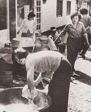 5·18민주화운동 당시 광주의 여성들은 주먹밥을 나르고 헌혈에 나서는 등 헌신적으로 시민항쟁에 참여했다. 하지만 여성이라는 이유로 국가·사회·가정에서...