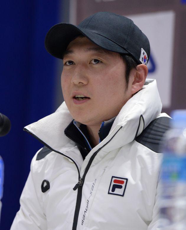 선수 폭행으로 영구제명된 쇼트트랙 코치가 중국 대표팀에