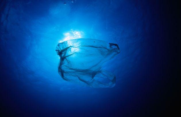 Βρέθηκε πλαστική σακούλα στο βαθύτερο σημείο των