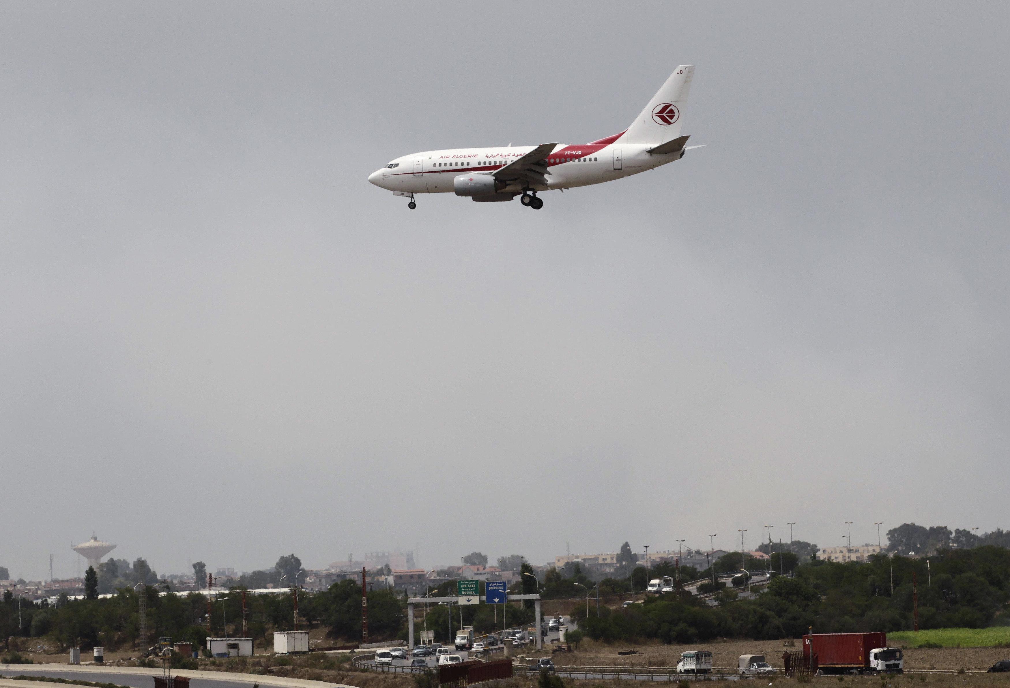 Des vols vers Alger déroutés vers d'autres aéroports en raison d'un épais