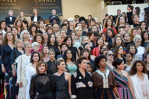 여성 영화인 82명이 젠더 평등을 외치며 칸 영화제 레드카펫을