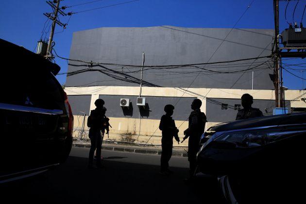 Ινδονησία: Επίθεση βομβιστών αυτοκτονίας σε αρχηγείο της