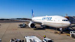 흑인 여성이 비행기에서 쫓겨났다고 항공사를