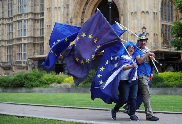 ΕΕ στη Βρετανία για το Brexit: Ο χρόνος