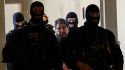 Επικηρυγμένος από τον Ερντογάν. Ο ηγέτης των Κούρδων της Συρίας μιλά αποκλειστικά στη HuffPost