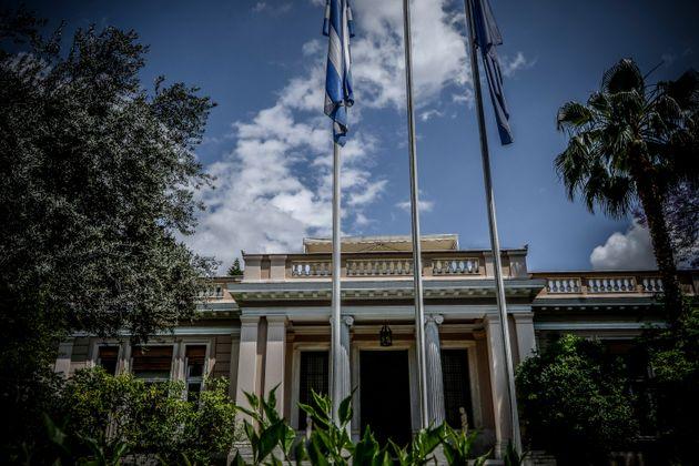 Μαξίμου: Η κατάτμηση της Β' Αθηνών δεν είναι αντικείμενο