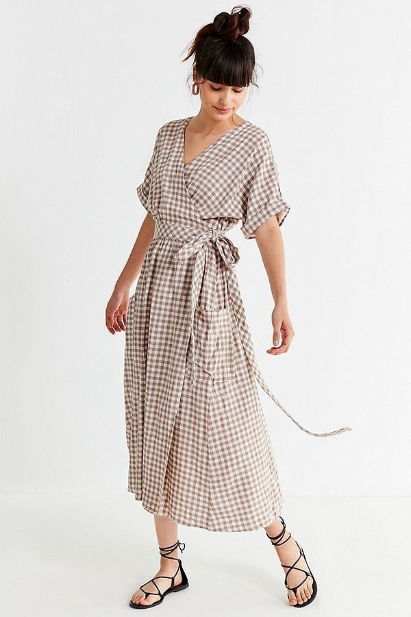 "<strong>Sizes</strong>: XS to XL<br>Get it <a href=""https://www.urbanoutfitters.com/shop/uo-gabrielle-linen-midi-wrap-dress"""