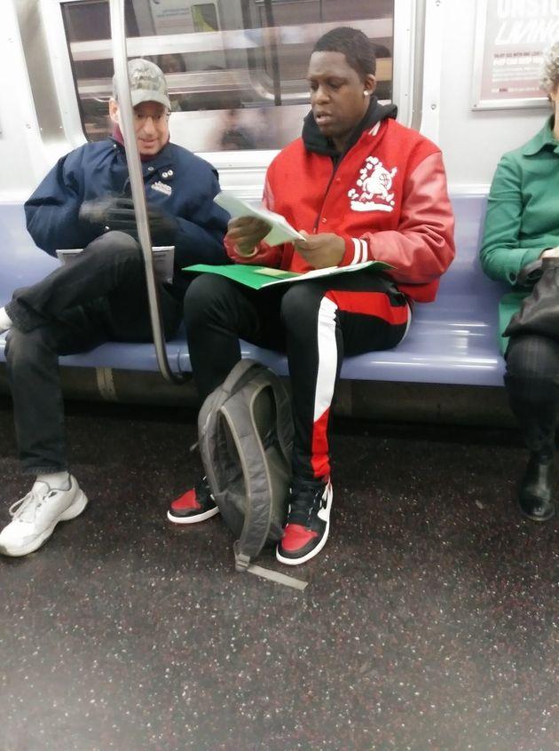 뉴욕 지하철에서 수학공부를 하던 사람에게 생긴