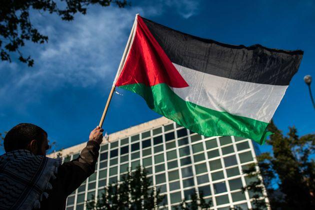 Gouvernement et partis politiques condamnent vigoureusement les tueries perpétrées par les forces d'occupation...