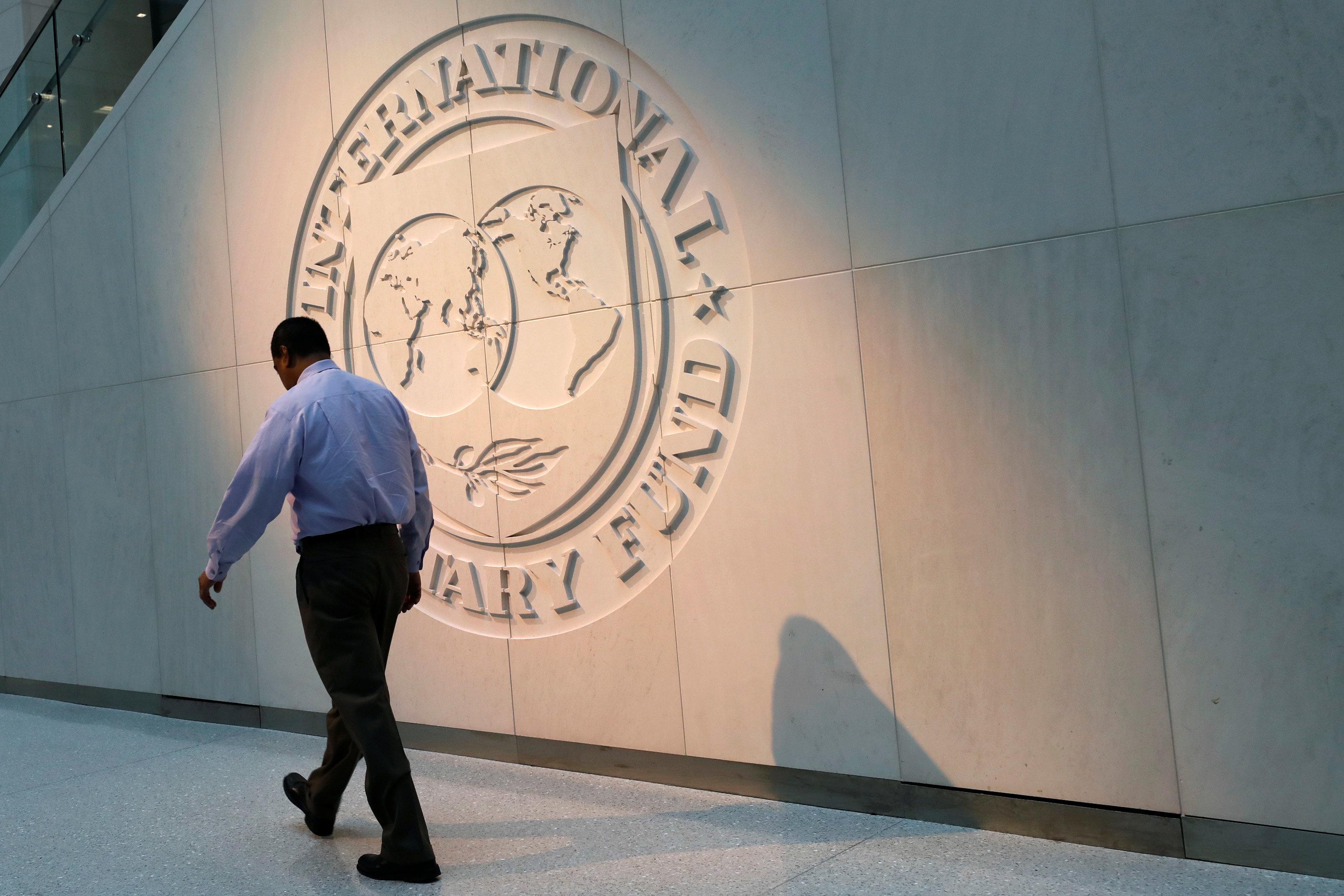 ΔΝΤ: Στο 191,3% του ΑΕΠ το χρέος το 2018, θα υποχωρήσει στο 181,8% το