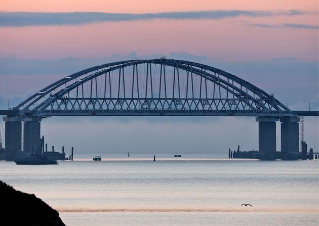Le pont du détroit de Kertch, reliant la Crimée à la Russie, le 15 mai