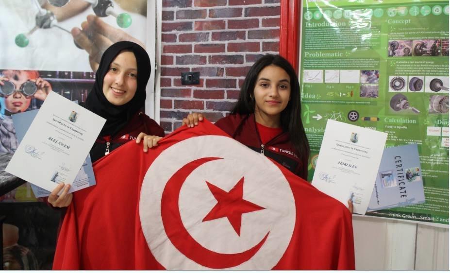 Ces Tunisiennes, d'à peine 17 ans, décrochent deux prix lors d'une compétition internationale pour jeunes...