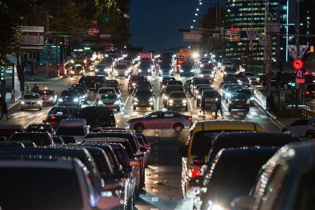 서울시민 매일 한시간 반씩 도로에