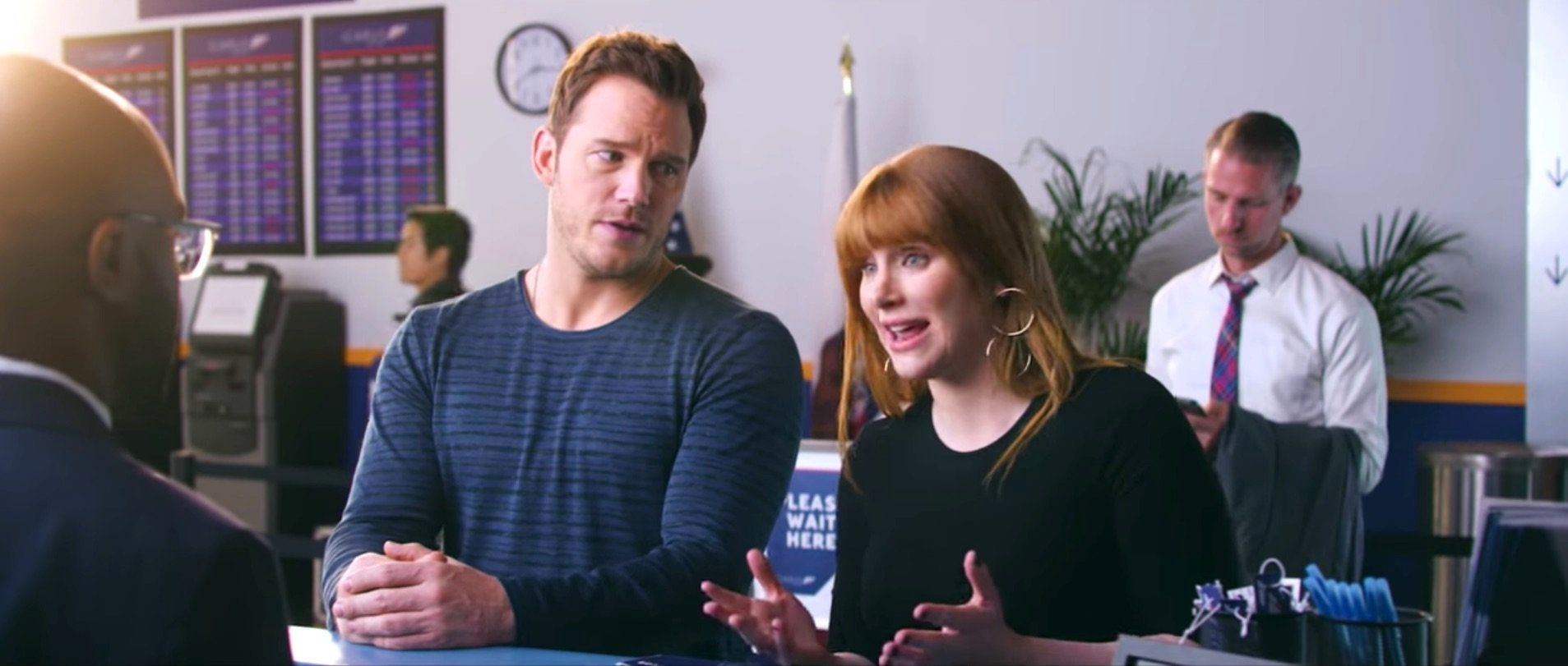 Chris Pratt And Bryce Dallas Howard Really Need A Service Raptor On Their