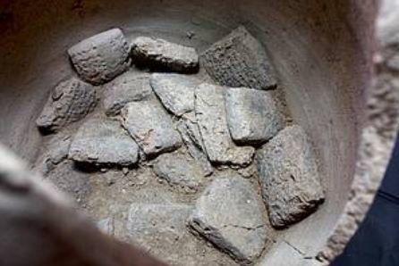 Αρχαίες πλάκες σφηνοειδούς γραφής αποκαλύπτουν τη θέση αρχαίας, χαμένης πόλης των