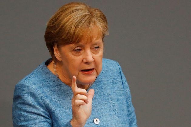 Μέρκελ: Η πυρηνική συμφωνία δεν είναι ιδεώδης, αλλά καλύτερο να παραμείνουμε σε