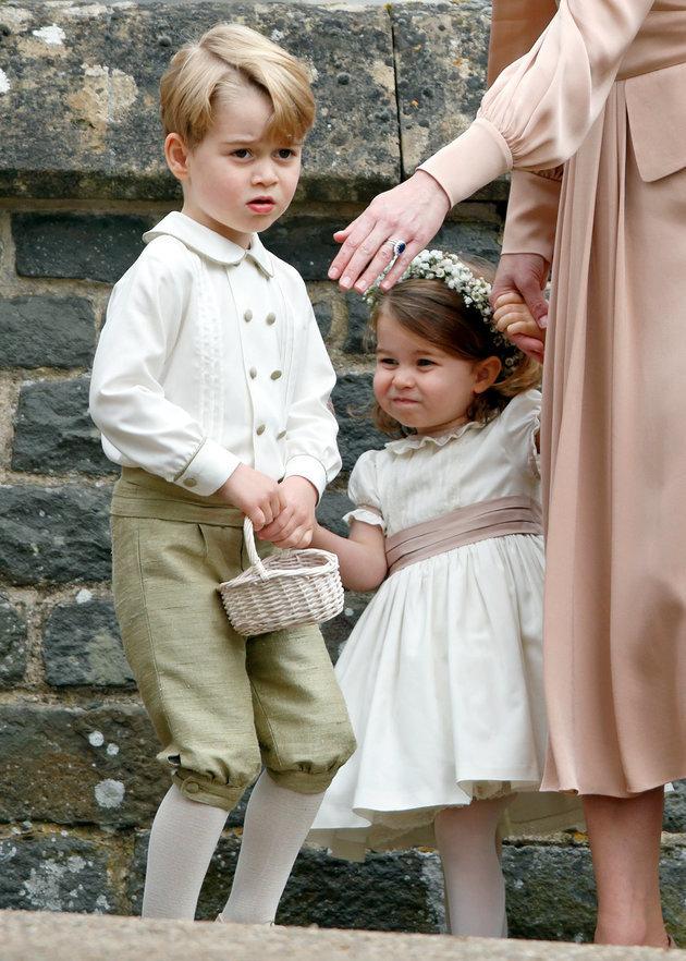 Παρανυφάκια στο βασιλικό γάμο η πριγκίπισσα Charlotte και ο πρίγκιπας George