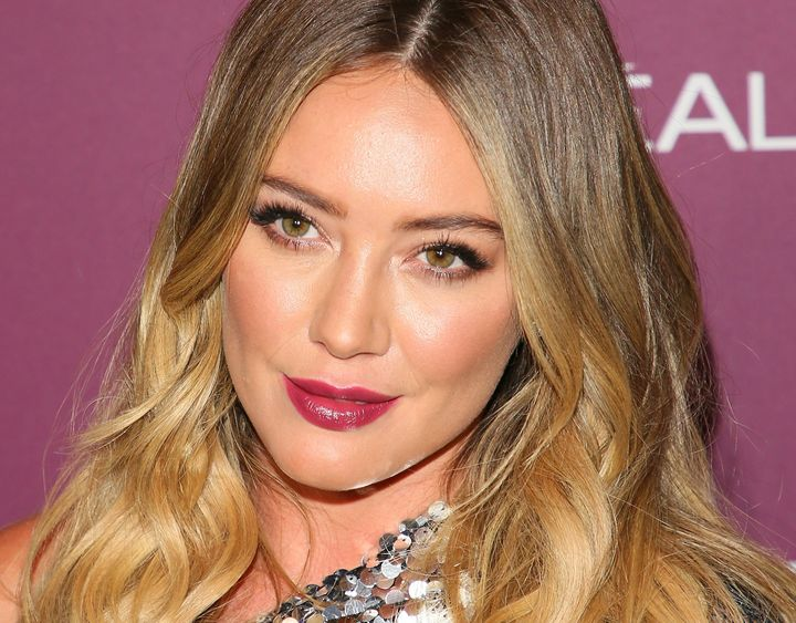 Hilary Duff attends the 2017 Entertainment Weekly Pre-Emmy Party.