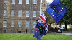 Η Βρετανία διαβεβαιώνει την ΕΕ ότι είναι έτοιμη να παραμείνει στην τελωνειακή ένωση πέραν του