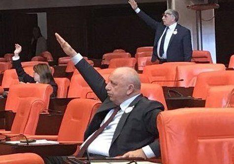 Mehrere Politiker der AKP am Mittwoch.